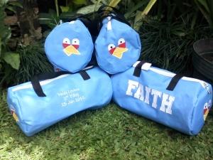 Goody bag angry bird biru