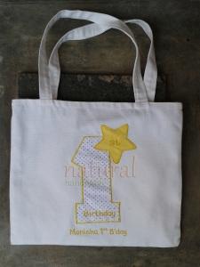 Goody bag kuning yang terang