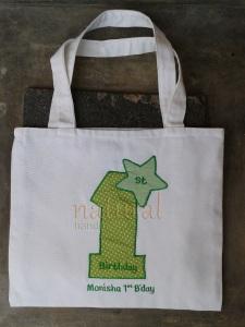 Goody bag hijau yang menyegarkan