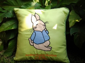 Bantal handmade-peter rabbit hijau